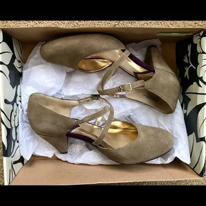 """Seychelles 7.5 """"Crying Shame"""" Taupe Heels"""